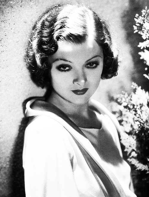 missavagardner:  Myrna Loy photographed by George Hurrell.