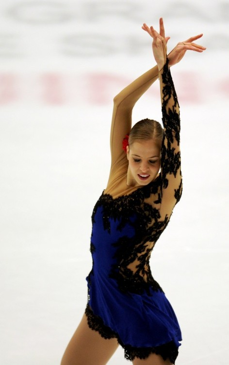 beautiful-shapes:  Carolina Kostner, 2011 SP Galicia Flamenca