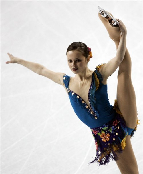 beautiful-shapes:  Sasha COhen, 2006 SP Dark Eyes