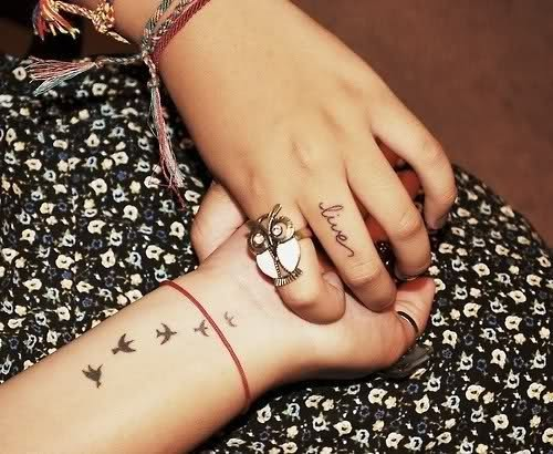 always-smile-xo:  love her tattoos!!