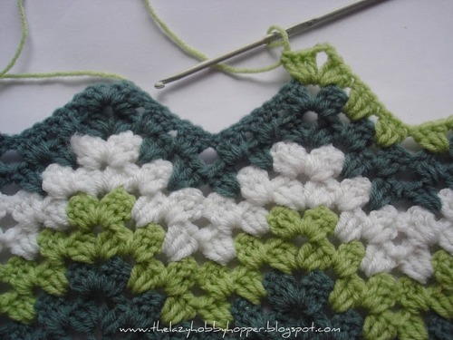 I think this makes a nice alternative to a basic granny square afghan  Nice crochet tutorial for a granny ripple.
