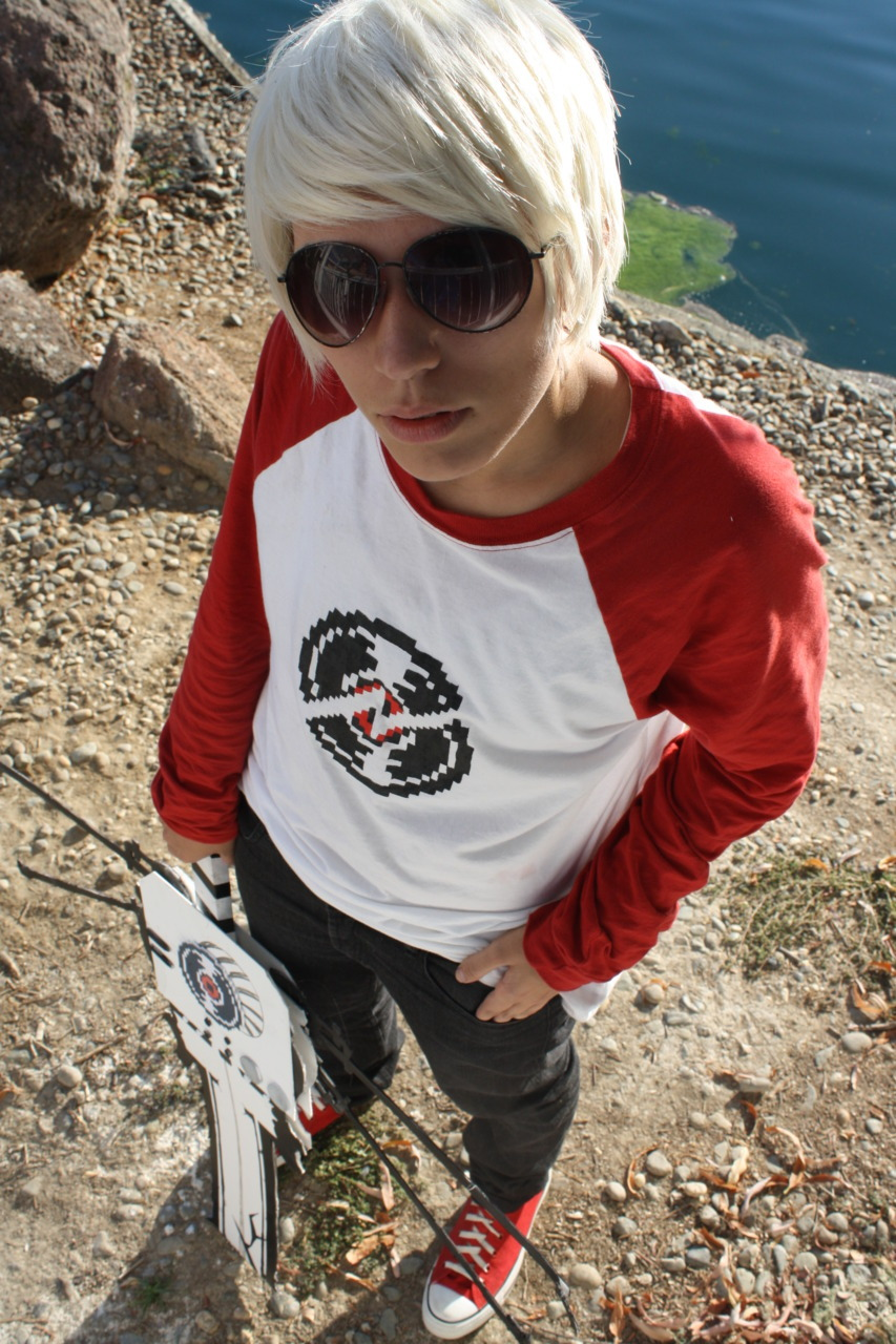 ellistheharrible:  Upward Movement me as dave strider photo by ferocity   This is the Dave to my John and I love her.