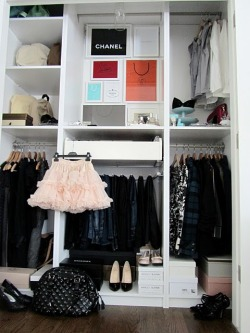 myidealhome:  closet envy (via Moth Design: Around The House…)