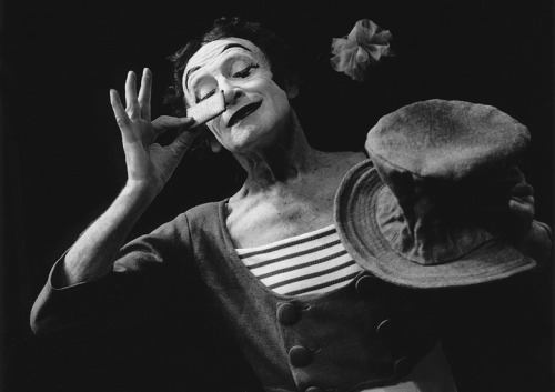 missfolly:  Marcel Marceau, by © Marc Riboud