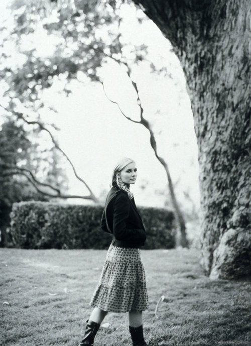photographer: Paul Jasmin Kirsten Dunst » Kirsten Dunst by Paul Jasmin - TrailersMashine