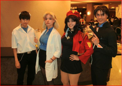 Hall pic of the Eva cosplayers! I wish I used gel in my hair or somethin adsjfhgs;dlkjg I don't match them uwu but I'm happy anyway because they were so amazing/sob