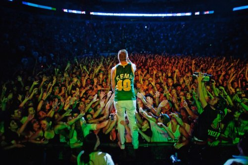 @macklemore Words CANNOT describe my feeling of this photo from Saturday night at Bumbershoot so I will let it speak for yourself. #Seattle stand up and pat yourself on the back for making this dream for Macklemore come through and repping your city correctly. This has been in the making for a very long time and a dream come true for Ben. Seattle needs and deserves this positive movement of hip hop coming through for kids and adults of all ages. Hope is back. Here he is entering the venue: