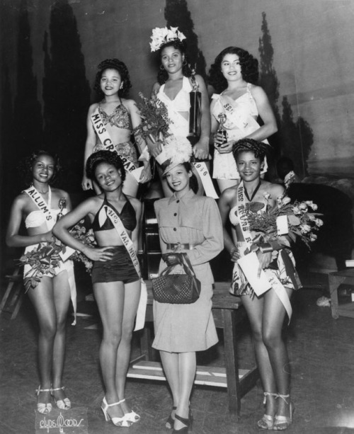 mothgirlwings:  Dorothy Dandridge (third from left front row) with beauty contest winners in Los Angeles, CA - 1946