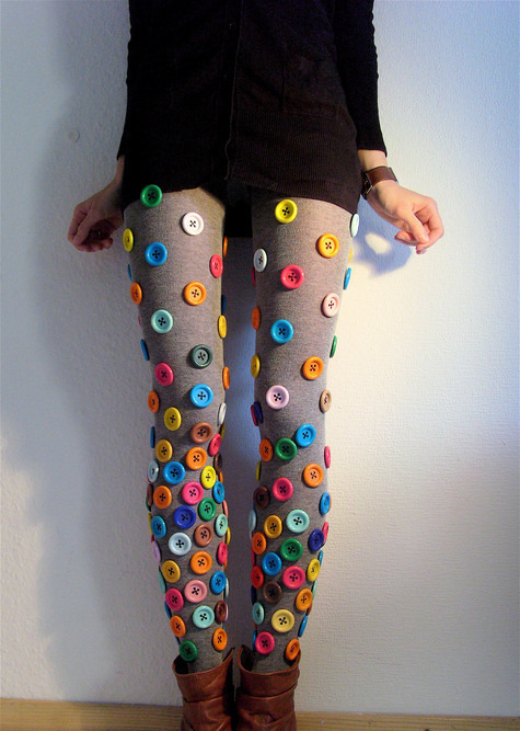 tastedliketomatoes:  alexstrangler:  I need these!  I'm going to try and do this to a pair of American Apparel heather gray thigh highs.