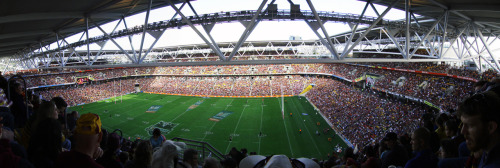 76/156 - Suncorp Stadium Brisbane was a neat little city but would suffice for a one-time visit. This was my third time back here and my second time back within two months and a certain level of familiarity was comforting. Wandering around Adelaide and George Street, a sprinkle of Broncos fans were soon making their way towards the stadium to get their drink on. It's a modest city to say the least but there's nothing modest about the home of the Brisbane Broncos - Suncorp Stadium. A capacity crowd of over 50,000 found their seats in this jaw-dropping infrastructure to farewell the great Darren Lockyer, who was playing his final regular season home game ever before retiring at season's end and the team did not disappoint - winning 18-10 against arch-rivals, the Manly Sea Eagles.