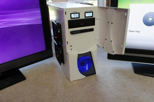 geekfeed:  Xbox 360 and PS3 in a PC case mod  O 3 O