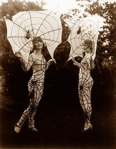 blackandwtf:  Date unknown Spider girls.