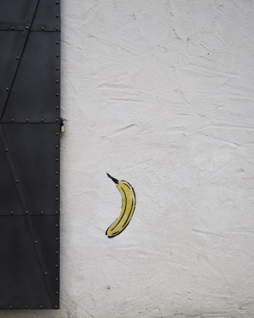 soundthat:  banana by Jared Ladia