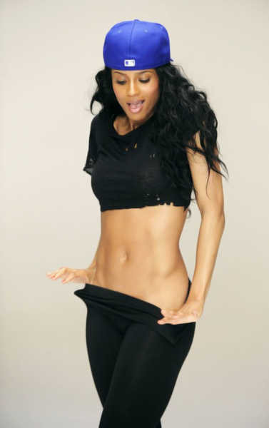 init2bthin:  Ciara rocking her toned abs? want a toned stomach like Ciara? Work for it! only way you will. stop being lazy.