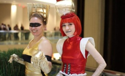 rand0mflora:  Tom Servo and CROOOOOW! cosplay at Dragon*Con! via