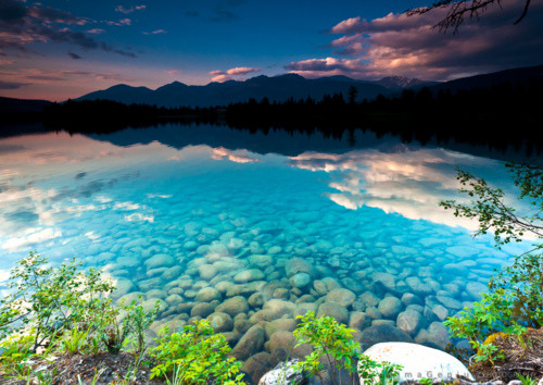 Turquoise Lake, Jasper, Canada photo by tajp