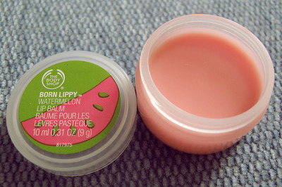 I had this exact lip balm as a kid. Part of the summery childhood nostalgia. kai-children:  mag-no-lia:  Got this on now aha  queued