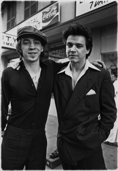 simplybek:  Stevie Ray and Jimmie Vaughan, '78 by Ken Hoge
