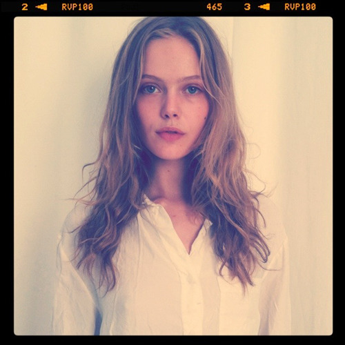 bonaelamour:  Frida Gustavsson (in) Raw Beauty