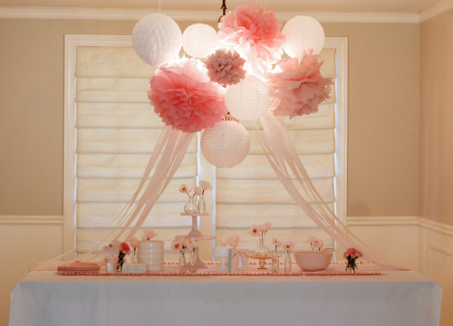So this table scape was designed for a baby shower, but with a few little tweaks, how adorable would this be for a bridal shower? So cute!