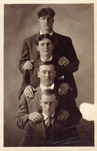 1910 Four men in Astoria, Oregon. (via boobob92)