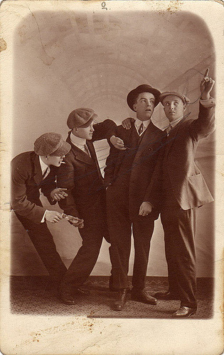 1910s Pickpockets. (via boobob92)