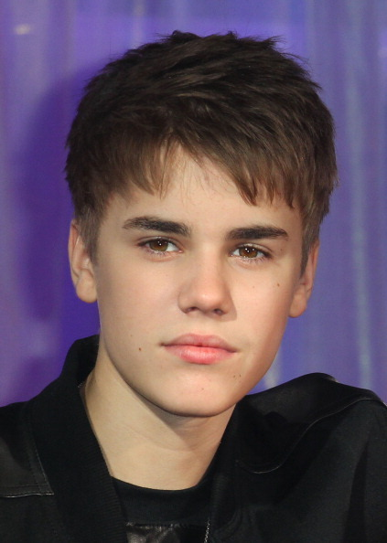 DEAR JUSTIN BIEBER,  GROW UP, MAN UP, GET A PROPER HAIR CUT
