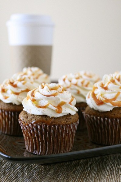 Pumpkin Spice Latte Cupcakes // Recipe via Annie's Eats