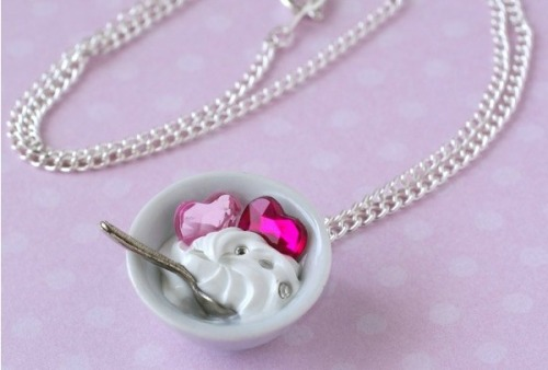 "Bridesmaid's gifts? cageofstars:  Okay how freaking cute is this? ""Ice-Cream-N-Hearts Necklace"""