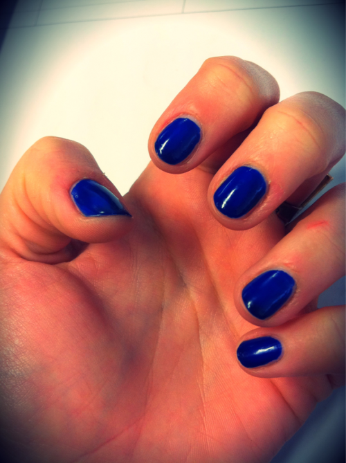 How nifty is this royal blue nail polish? Love!