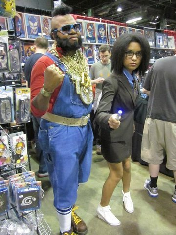 tardis-stowaway:  sherbertsheperton:  Is this a Mr. T cosplayer with a Fem!Ten cosplayer? Yes. Yes it is.  Fandom, I love you.