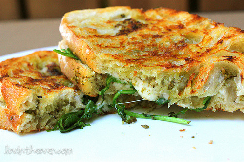 Lovin' From the Oven: Pesto and Mozzarella Panini