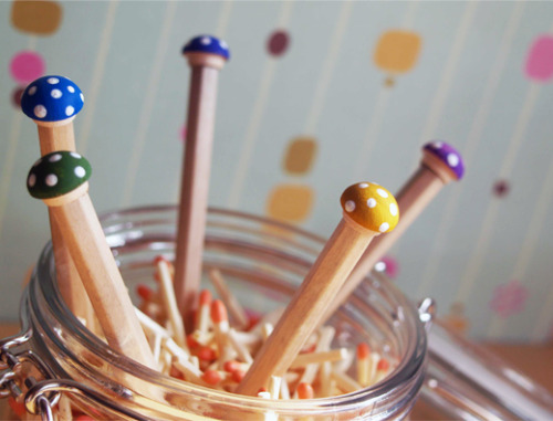 (via How to make Toadstool Pencils – Easy! | scissors.paper.wok)