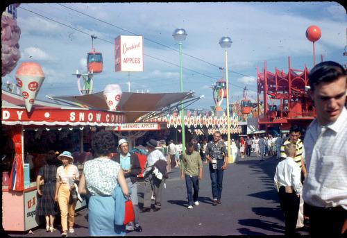 (via Neat Stuff Blog: Century 21 Concessions, 1962) Century 21 Concessions, 1962
