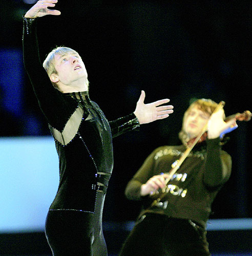 beautiful-shapes:  Evgeni Plushenko, 2006 EX + Edvin Marton