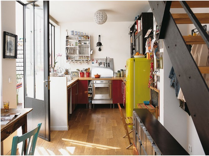 myidealhome:  kitchen with vintage workspace for kids + yellow fridge (via maison-travaux.dekio.fr)