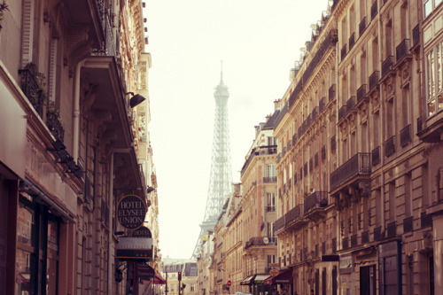 Paris Paris Paris by nicolasv on Flickr.