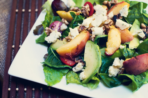gastrogirl:  grilled peach salad with avocado and blue cheese.