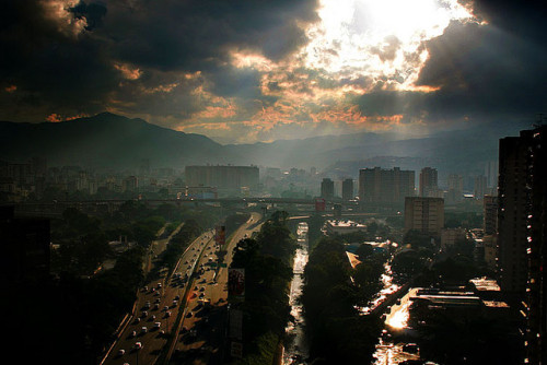 caracascaos:  4:00 pm by elproto on Flickr. Caracas