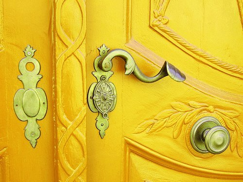 prettyworld:  Pretty door.