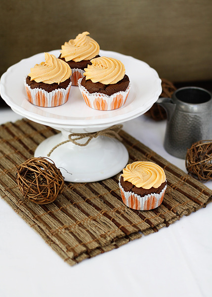 adventuresofashortperson:  Chocolate pumpkin cupcakes with buttercream frosting