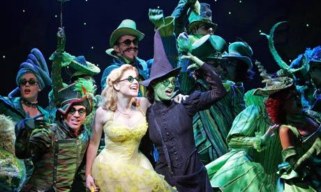 Idina Menzel as Elphaba and Helen Dallimore as Glinda - London 2006