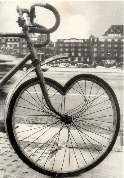 cyclocult:  cœur by Vélocia on Flickr.