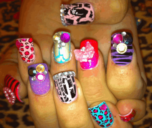 pardontheswagxo:  Snap crackle pop nails By ScratchDollface.  LOVE.