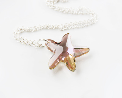 littlefever:  { Lavender & Lemon Starfish Necklace by littlefever }  Gorgeous - love the special coating on the starfish - Purple haze???