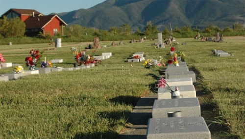 8 weird burial alternatives that are going mainstreamOptions range from mummification to space burials to being dipped in liquid nitrogen.