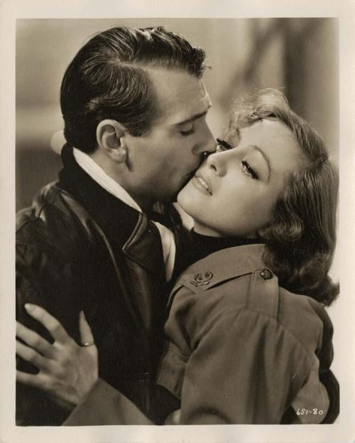 Joan Crawford and Gary Cooper in Today We Live