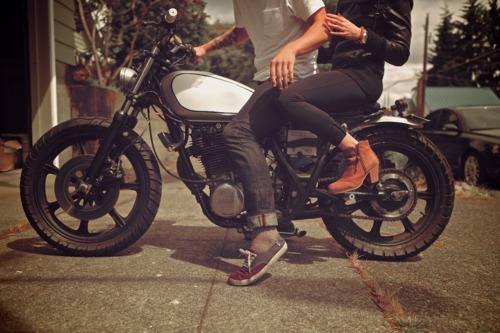"hoonigan:  swagtionary:  motorcycle.  thank you, swationary, you really captured the essence of this picture with your capiton ""motorcycle"". I applaud your creativity, well done."