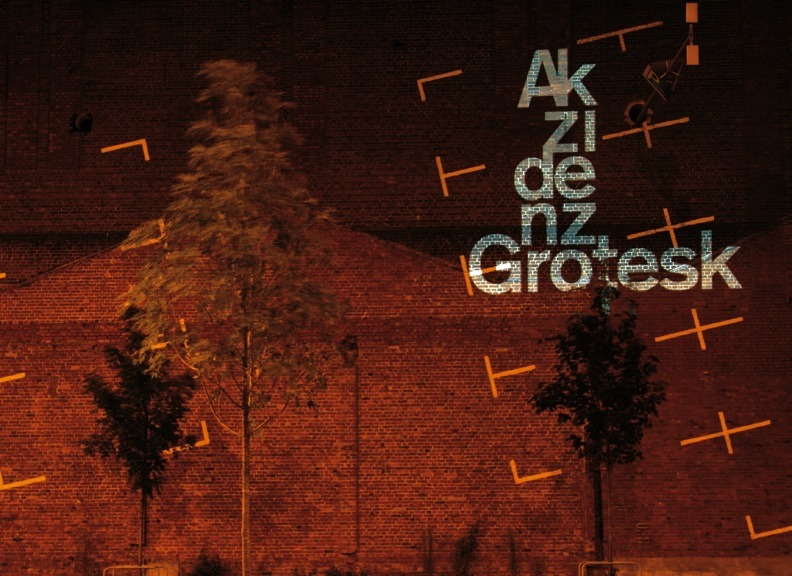 ezekahr:  Akzidenz Grotesk, projected into an urban environment, a project by Tobias Battenberg. http://www.tobias-battenberg.de/
