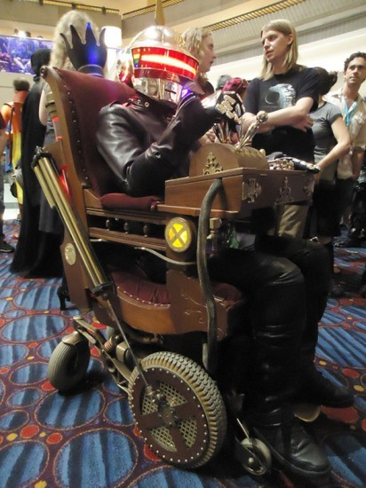 Cosplay of the day: Daft Punk Steampunk Professor X Via
